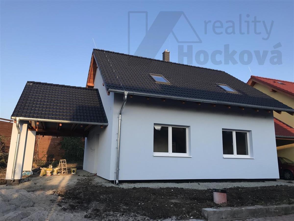 Rodinné domy v obci Postřižín II