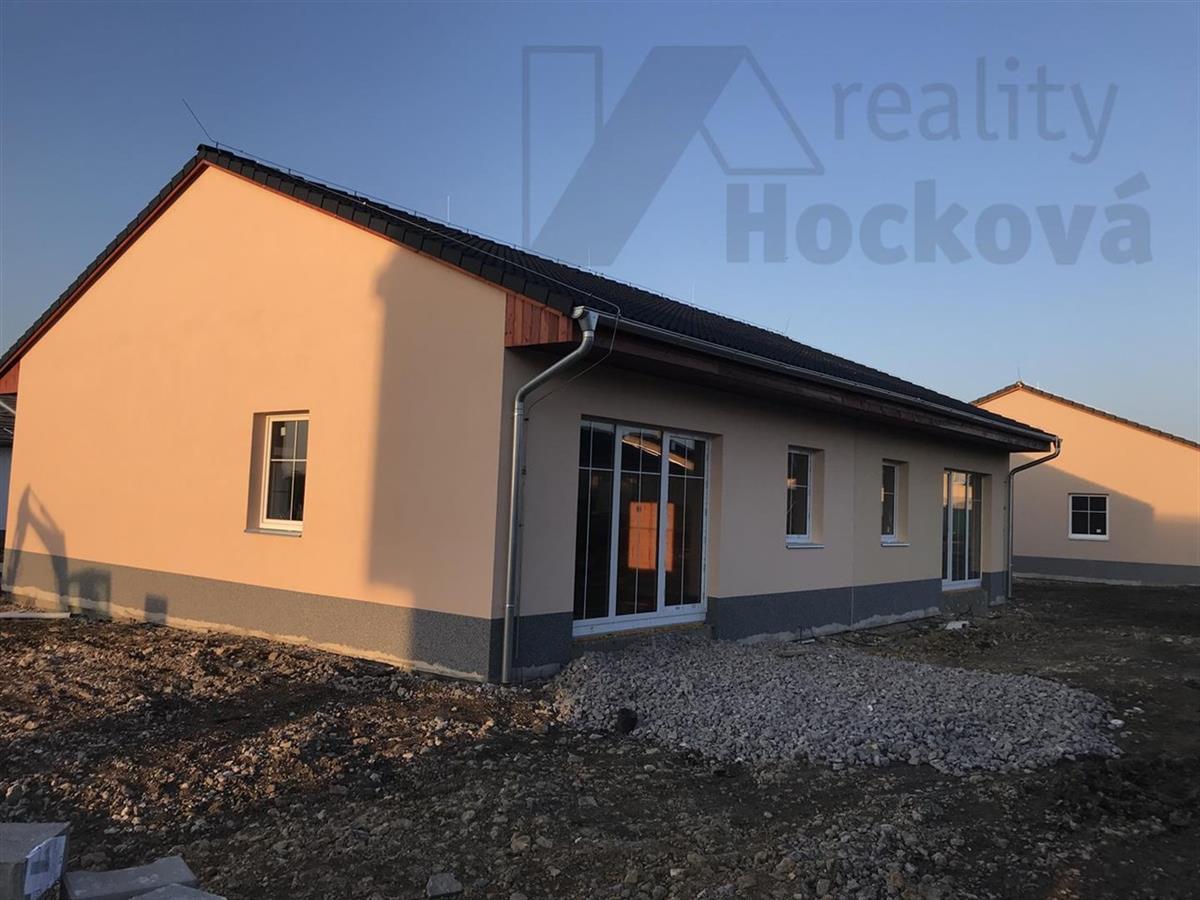 Rodinné domy v obci Postřižín 4. etapa
